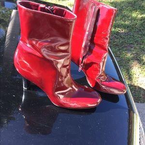 "Patent Red Gianni Bini 9.5 31/4"" Heel Boots Worn1x"